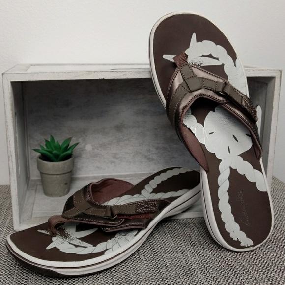 clarks pewter flip flops